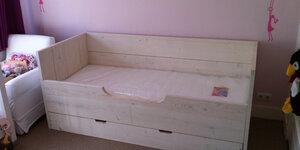 Kinderbed uit steigerhout