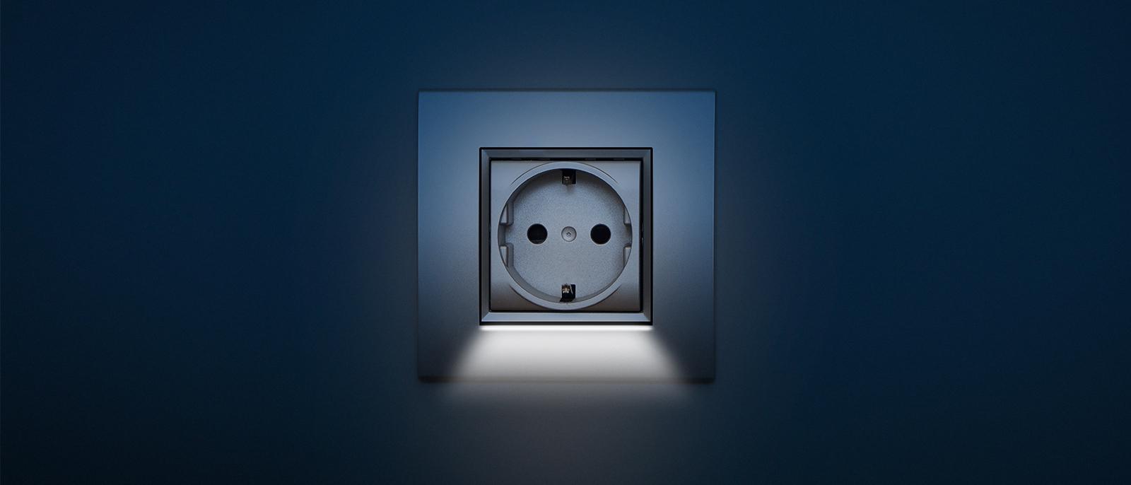 Stopcontact met LED verlichting - Voor de makers