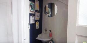 Een toilet met stijl