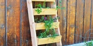 Bac à plantes pour le balcon