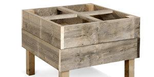 Des meubles de jardin uniques et solides: carré potager