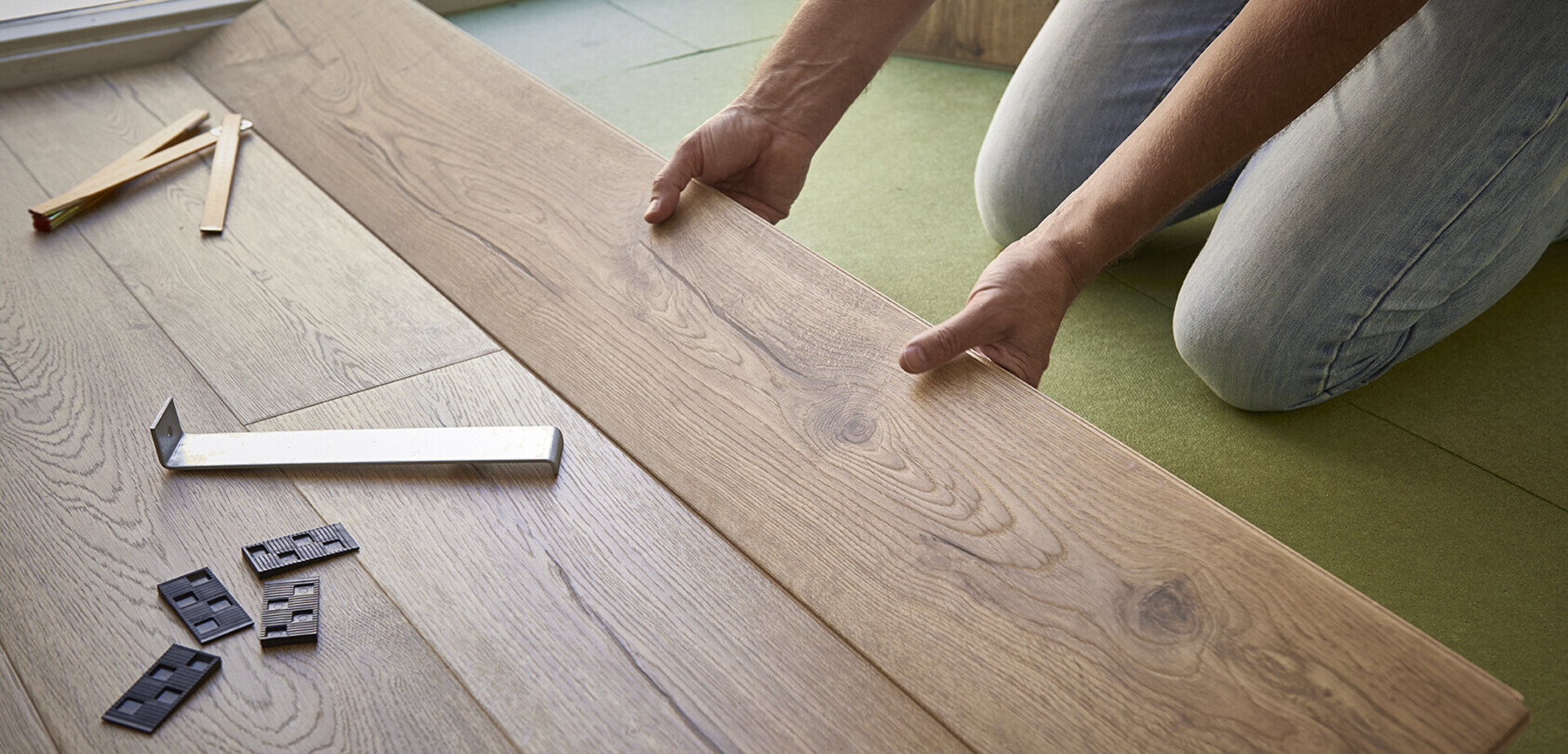 poser son sol stratifi pour les makers. Black Bedroom Furniture Sets. Home Design Ideas