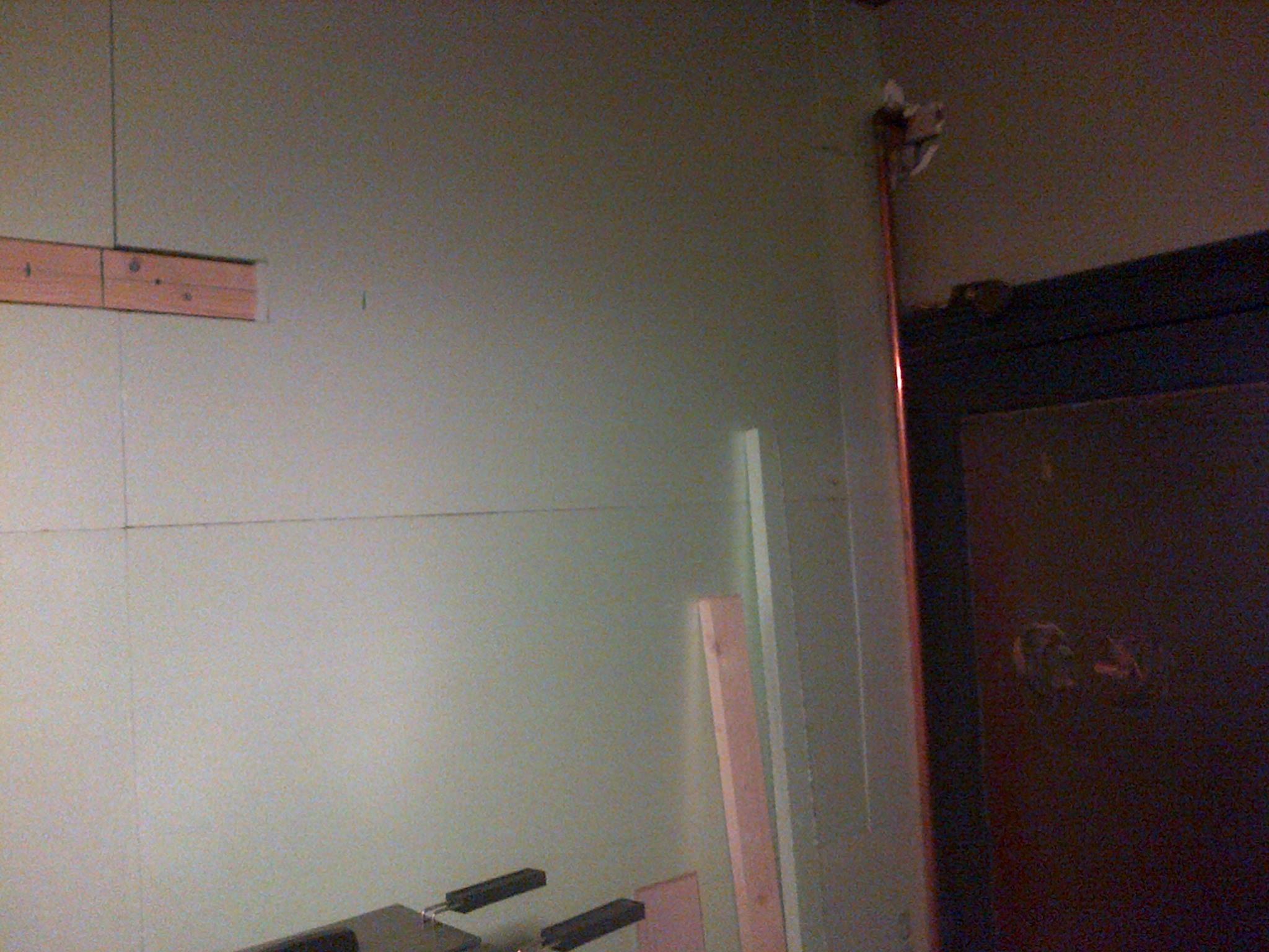 Isolatie Badkamer Muur : Laminaat op de muur brico voor de makers