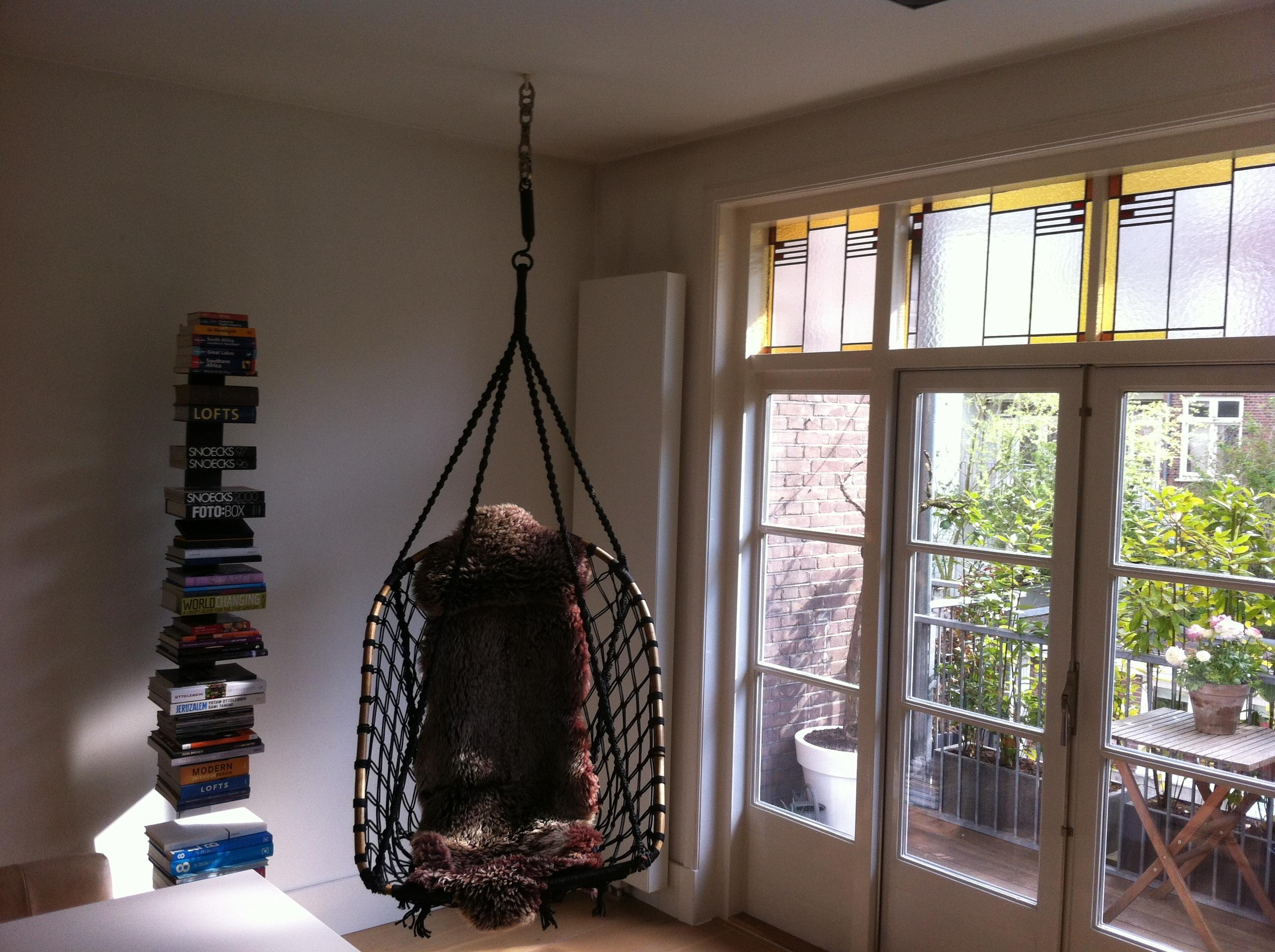 Hangstoel in de woonkamer brico voor de makers