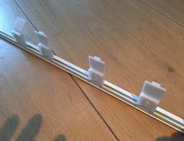 Plastic Gordijn Haakjes : Gordijnrail vervangen brico voor de makers