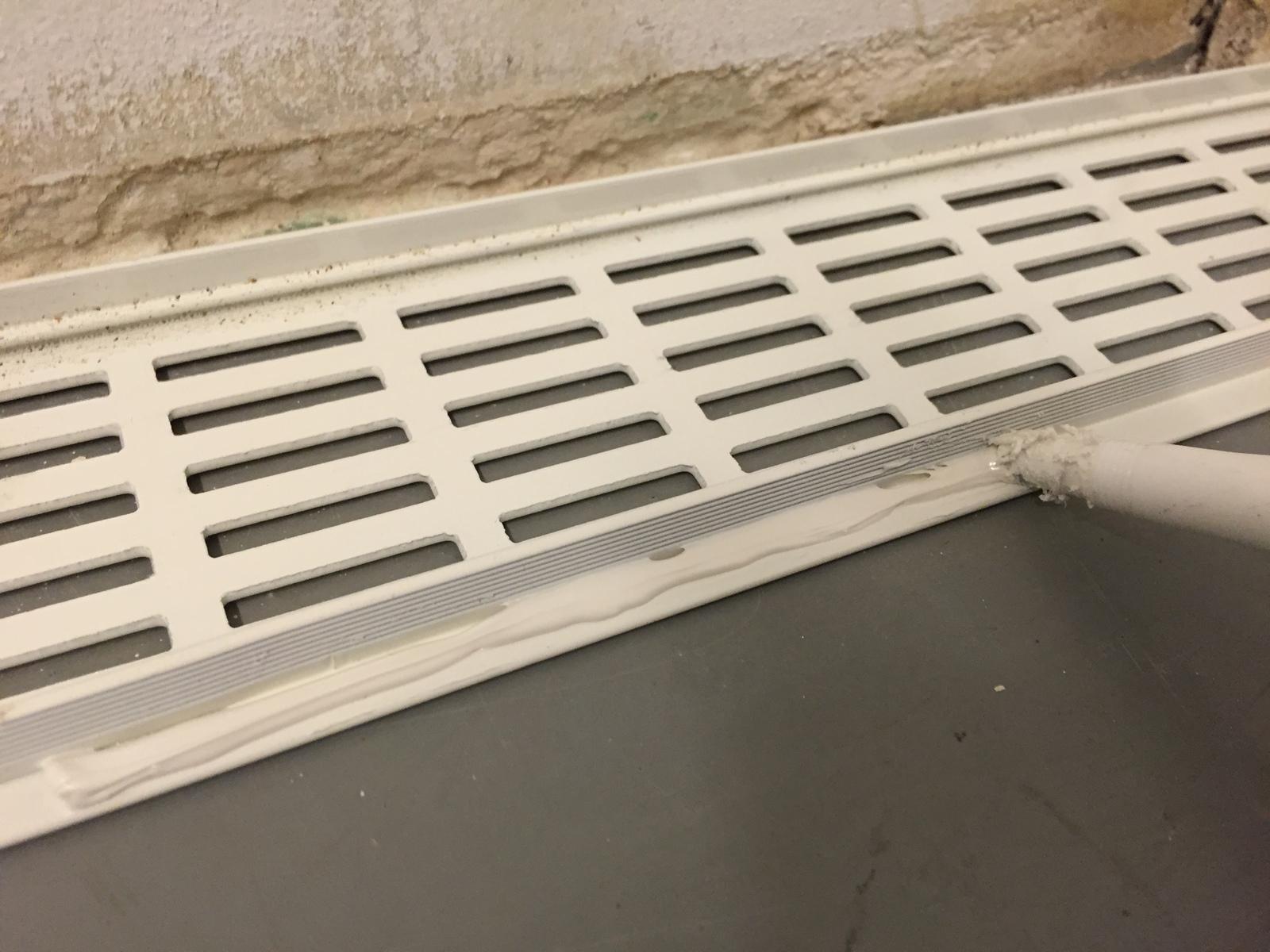 Ventilatierooster deur badkamer