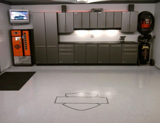 garage de r ve pour tout amateur de voitures pour les makers. Black Bedroom Furniture Sets. Home Design Ideas
