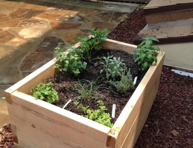 potager sans mauvaises herbes pour les makers. Black Bedroom Furniture Sets. Home Design Ideas