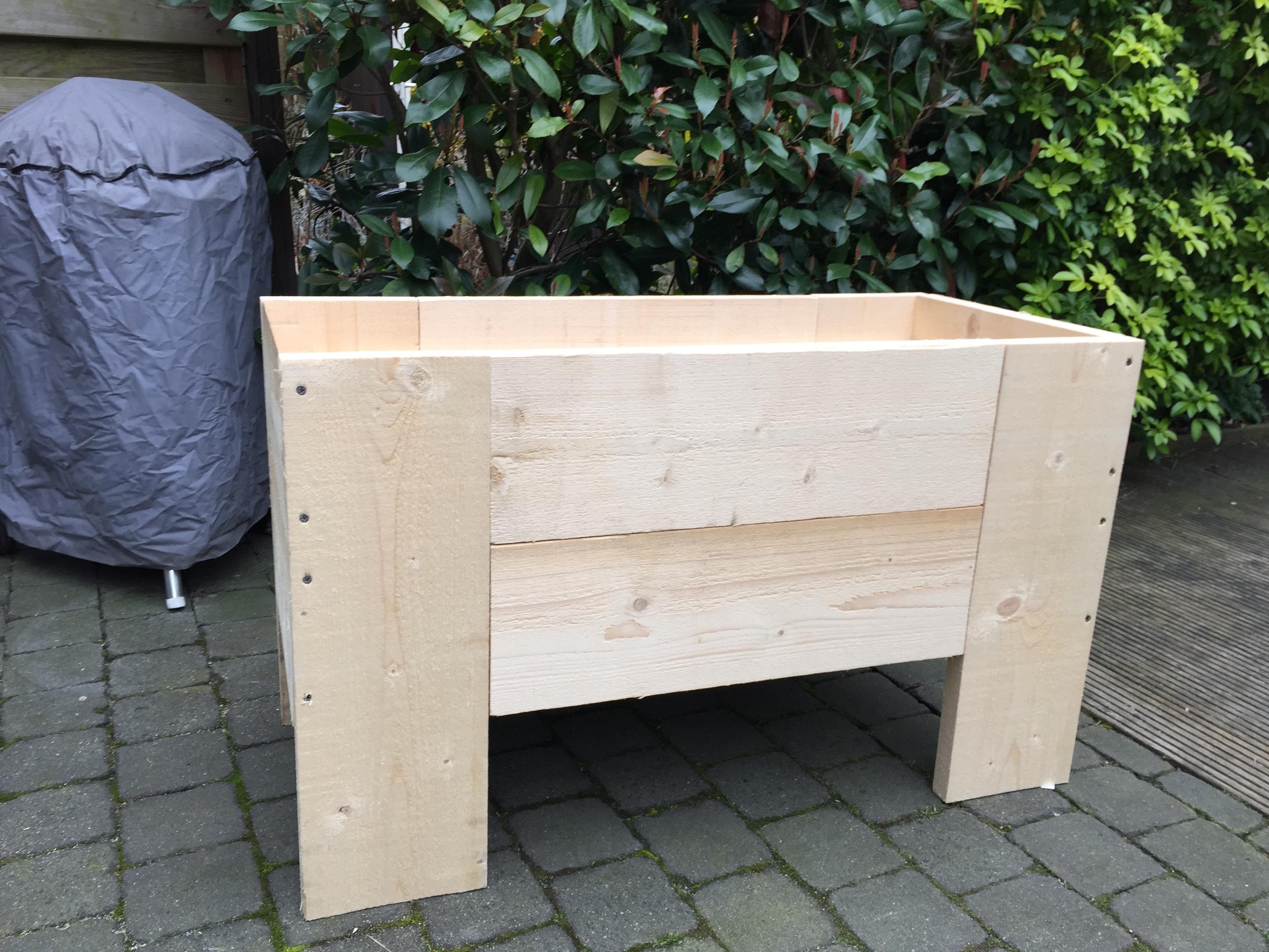 bac potager pour les makers. Black Bedroom Furniture Sets. Home Design Ideas