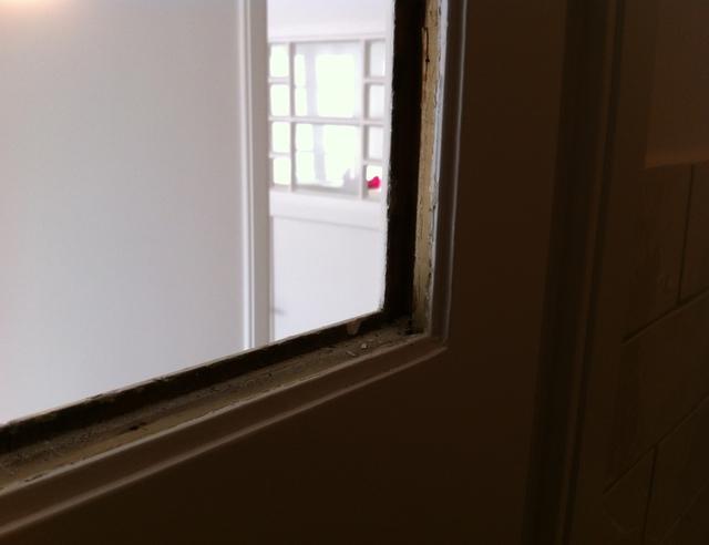 Mettre une vitre dans une porte int rieure pour les makers - Recouvrir porte interieure ...